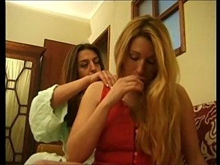 Ana Paula Melo & Cristina Junior - Portuguese jealous housewive beat down by...
