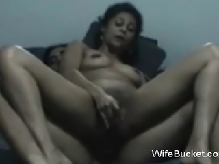 MILF wife wants hard fucking