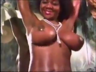 Vintage Black MILF Amazing Big Tits - Ameman