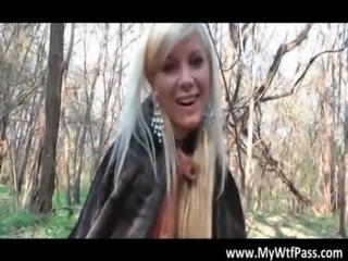Super hot blond bimbo blows penis free