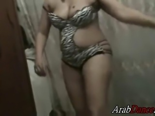 Curvy Egyptian milf performs an Exciting Dance