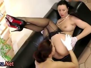 Pussy licking stockings milf sucks dick in threesome