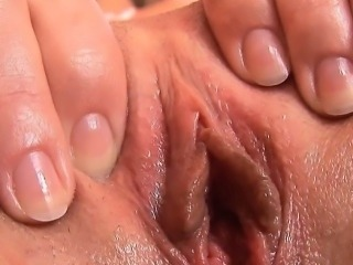 Teen Finger Fucks Herself to a Strong Orgasm