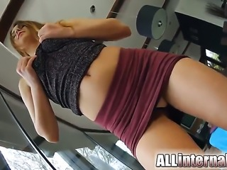 Breathtakingly sexy vixen enjoys hard pussy drilling
