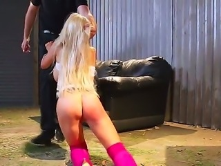 Dumpster Blonde pornhub milf loves to have outdoor sex. This time she is down...