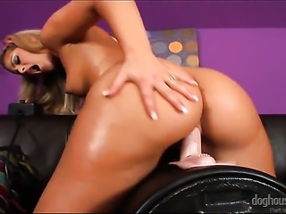 Defrancesca Gallardo gives a closeup of her fuck hole while masturbating