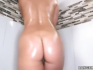 Wet Eva Lovia rubs her nice pussy