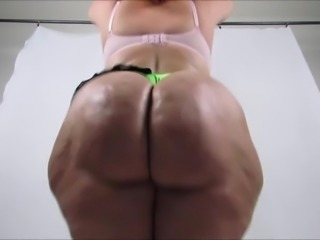 Phat White Booty Clapping