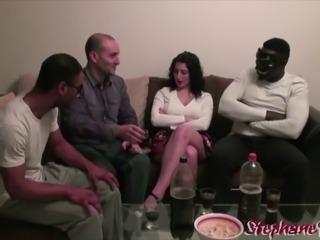 Lilou Sou teenager salope livree par son mari a des blacks