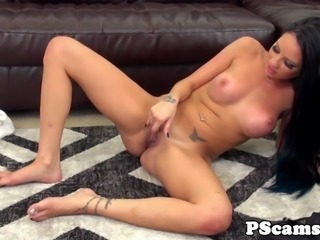 Livechat beauty Raven Bay cockriding