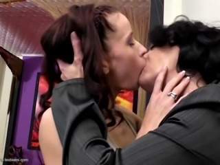 Hot mom turns young girl into lesbian