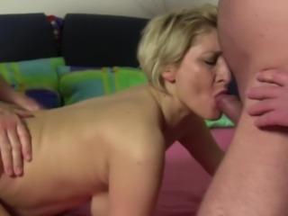 xxxOmas - Slutty amateur granny anal sex in German threesome