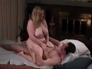 Chubby wife gets banged by her husband in a homemade clip