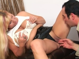 Flabby blonde mom Emily gets her cunt eaten by Charlie
