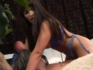 Valerie Sammer in fichnet stockings gets nailed hardcore in threesome