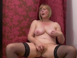 Natural busty mature mother with sweet body