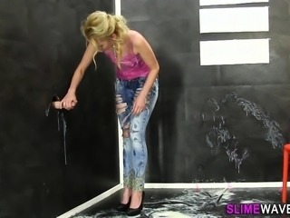 Euro whore gets wam slime