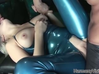 Blonde hottie in blue latex costume gets drilled well in 3some