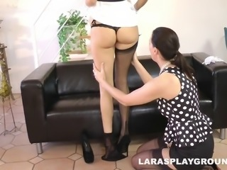 Sexy, proper babes lift their dresses and lick some pussy