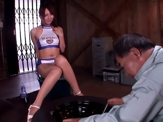Before Jessica Kizaki gets creamed she gives a hot footjob and bj