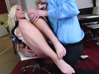 Foot fetish babe assrides