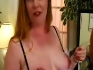 Big nipple MILF plays with herself