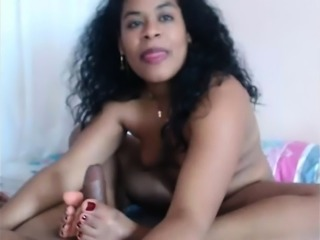 Foot fetish for a titty latina milf