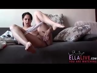 NEW Mature Mom Rubbing Herself - EllaLive.com