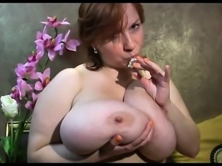 Amateur redhead shaves and masturbates