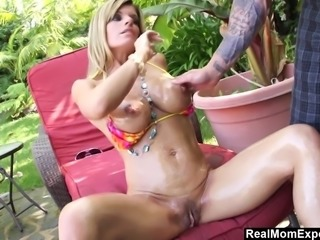 Kristal Summer just gets too horny posing for sexy photos