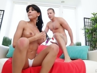 Heather Vahn loves sucking dick just as much as she loves looking sexy