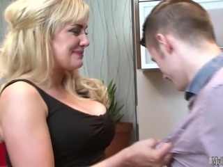 Mature blonde likes dicks in her holes