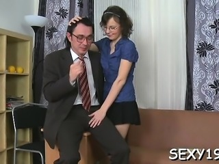 Old teacher is enchanting pleasing babe's pussy