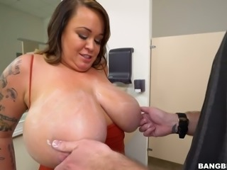 Dude tries to weigh the huge saggy boobies of chubby shorty Brandy Talore