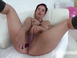 Milf bei einer Pornoagentur