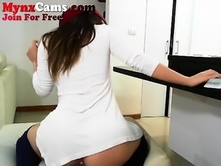 Nice Large Ass On Webcam