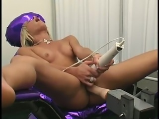Sexy babe Courtney Simpson gets her pussy toyed after a gyno exam