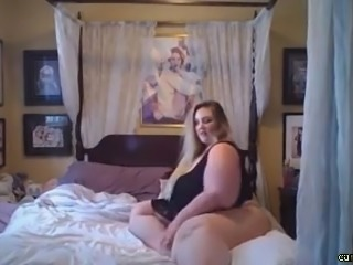 Pretty BBW Fucking on Webcam