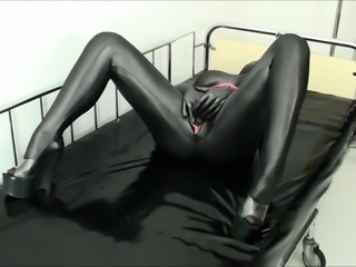 Kinky amateur babe in a latex bodysuit takes a deep fucking