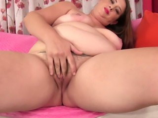 Awesome giant breasted BBW Kailie Raynes is fond of teasing cunt with vibe