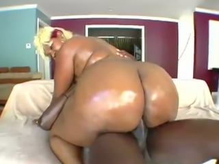 Wonderful phat booty on this whore and this slut likes to be on top