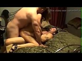 Marito condivide moglie con amico - www.sistemirouletteonline.com