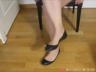 Stinky shoes for feet fetish French amateur