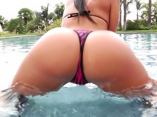 Jada Stevens swims naked, strips off her bikini and gets dp'd
