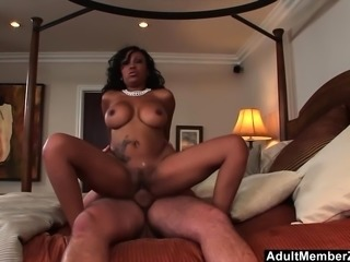 Slutty Ebony Gives Sloppy Head And Fucks Hard