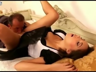 Attractive sexy brunette Jay Dee begs for some splendid pounding of her twat