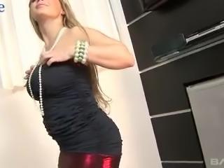 Mesmerizing busty MILF Cibelle Mancinni works on such a huge black cock