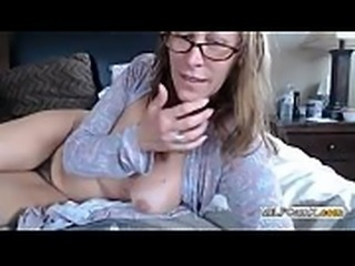 Big ass MILF with glasses