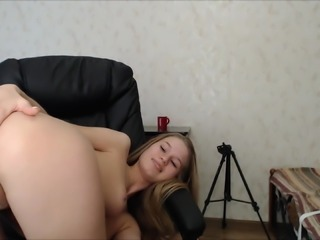 Magnificent babe B22 introducing a dildo in her ass