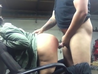 Thick latina doggy in auto shop
